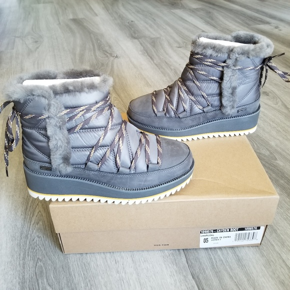 04001b892e1 UGG Cayden Waterproof Boot. NWT